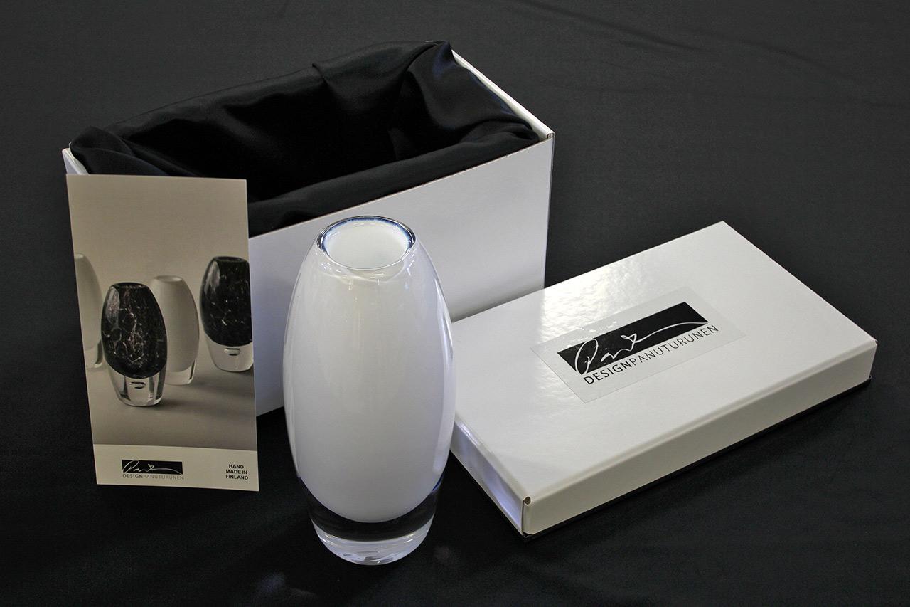 aino_package_white